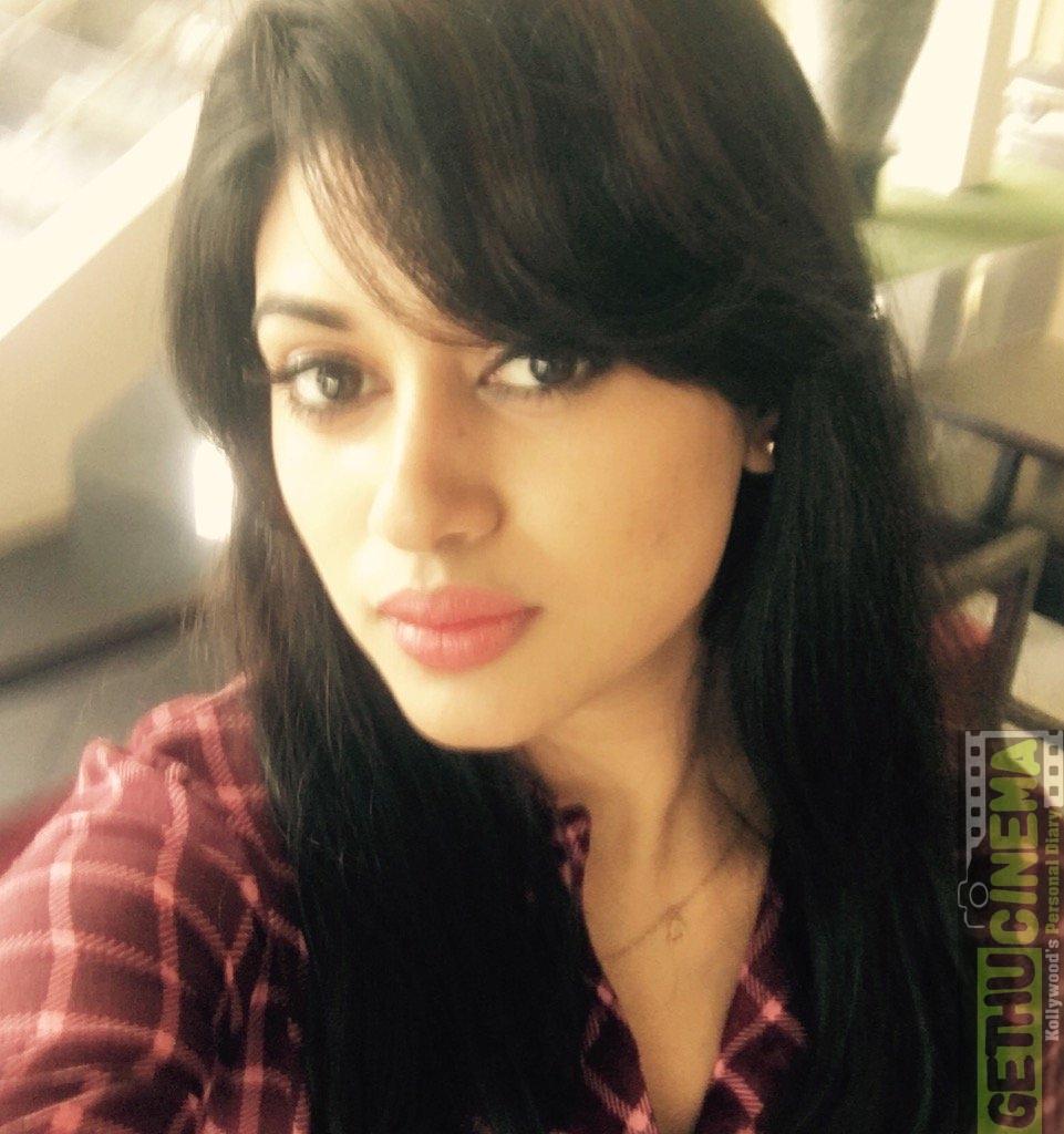 actress oviya latest new 2017 hd pictures   gethu cinema