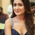 Pragya Jaiswal (11)