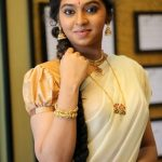 Lakshmi Menon at Yung Mung Sung Stills (9)