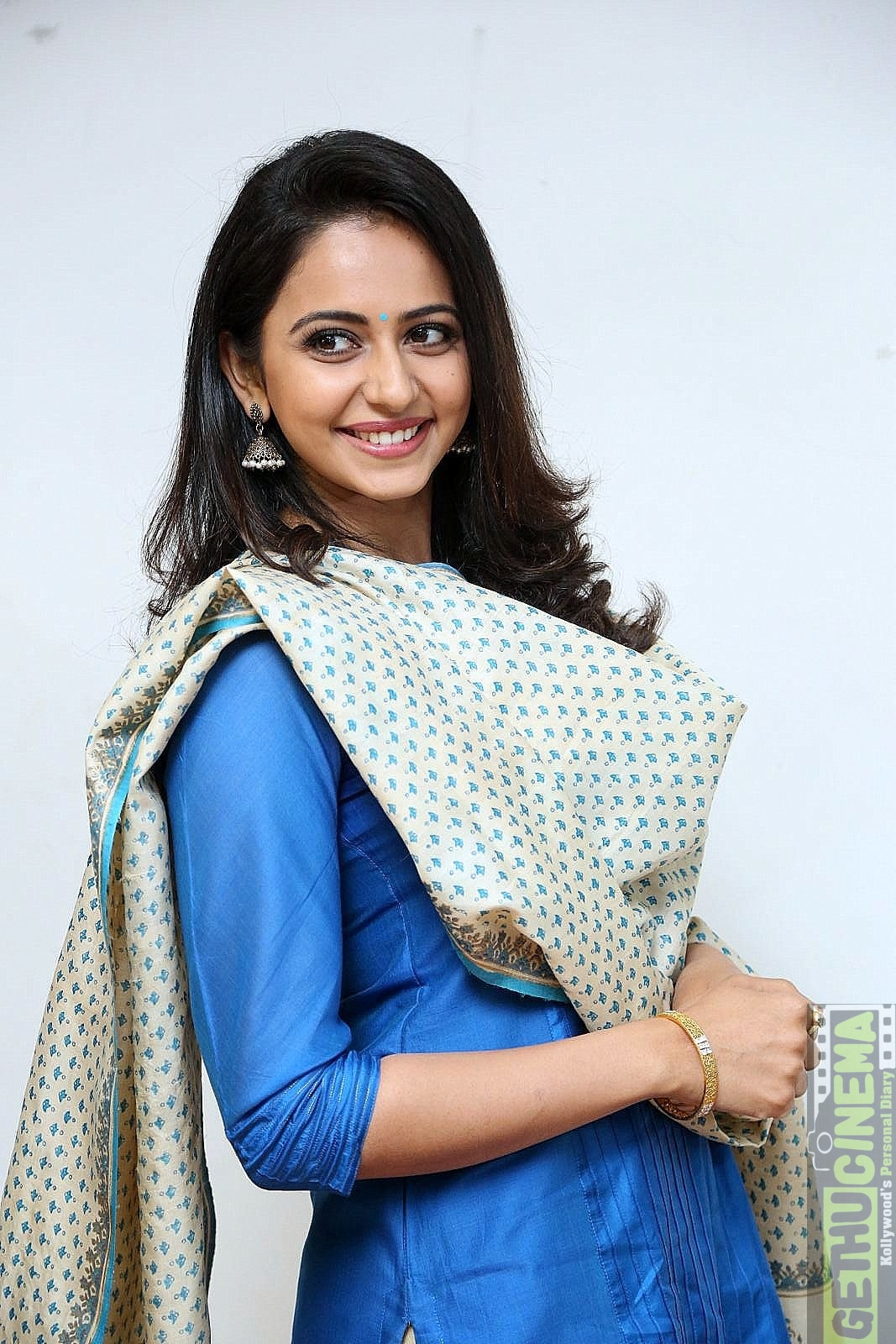 Actress Rakul Preet Singh 2017 New HD Stills - Gethu Cinema