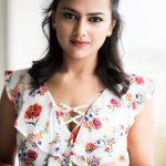 Shraddha Srinath 2017 new HD Fashion  (18)