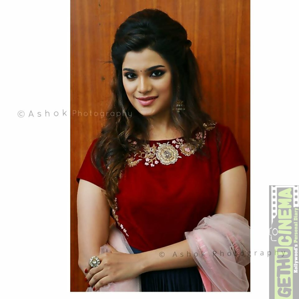 Actress Aathmika 2017 New Hd Pictures Gethu Cinema