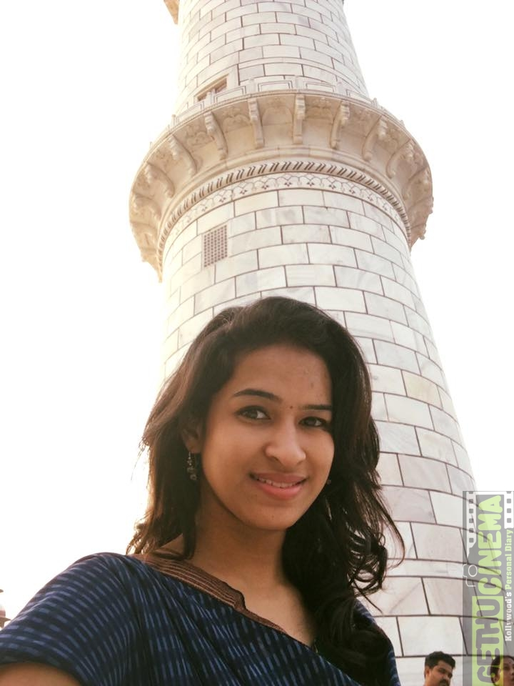 Actress Misha Ghoshal Latest Cute Photos - Gethu Cinema