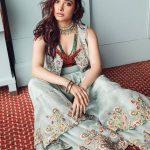 Tamil Actress 2017 Latest Glamour Photos  (23)