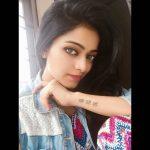 Actress Janani Iyer  2017 HD Photos  (1)