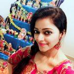 Actress Janani Iyer  2017 HD Photos  (16)