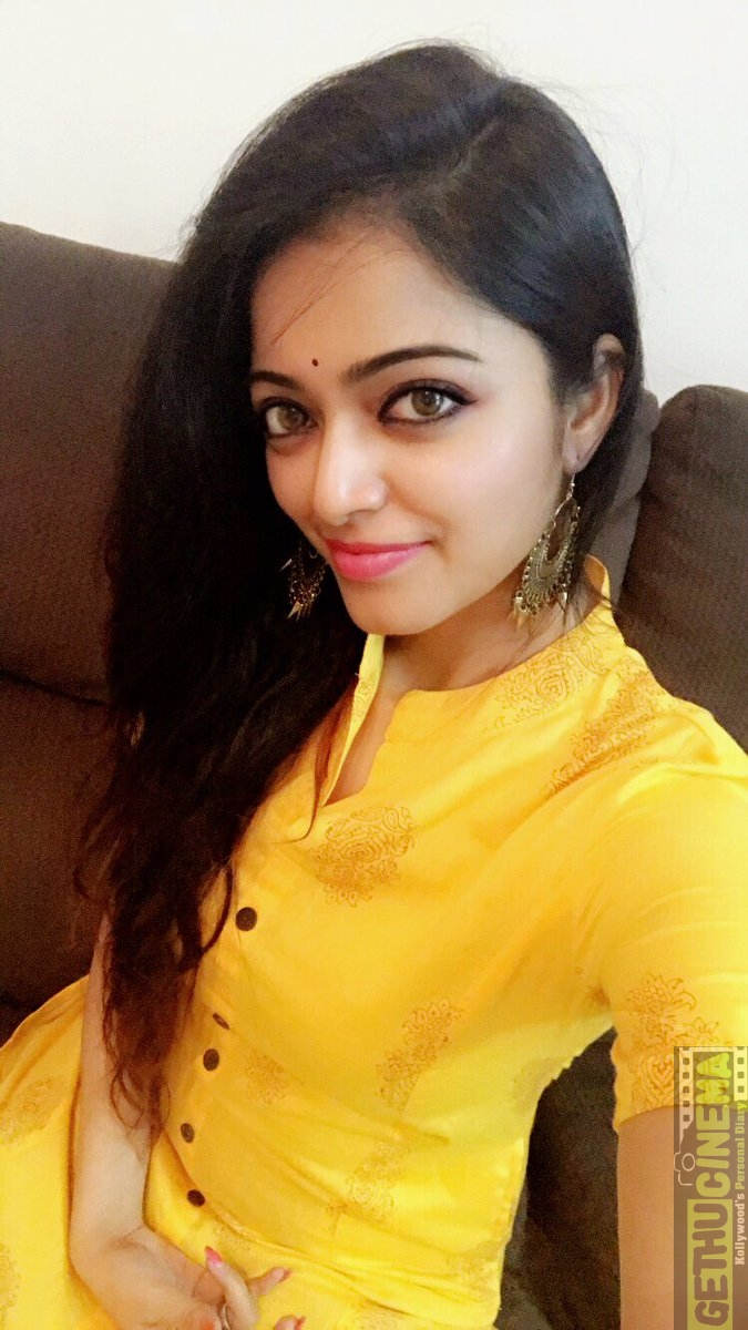 Nandhini serial nithya ram hot seducing moves with cleavage show - 4 10