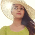 Actress Janani Iyer  2017 HD Photos  (5)