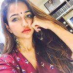 Anaika Soti (22)