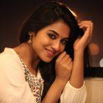 Meyaadha Maan Actress Indhuja HD Photos (4)