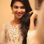 Meyaadha Maan Actress Indhuja HD Photos (5)