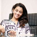 Meyaadha Maan Actress Priya Bhavani Shankar HD Photoshoot Gallery (5)