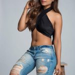 Actress Ashna Zaveri Hot & Photoshoot Gallery (9)