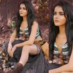 Actress Pia Bajpai Spicy Photos (20)