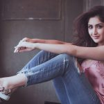 Actress Sayesha Saigal Photos (1)