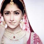 Actress Sayesha Saigal Photos (10)