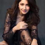 Actress Sayesha Saigal Photos (2)
