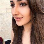Actress Sayesha Saigal Photos (9)