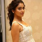 Actress Shriya Saran Cute & Hot Photos (25)