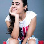 Arjun Reddy Actress Shalini Pandey Cute & HD Photos (2)