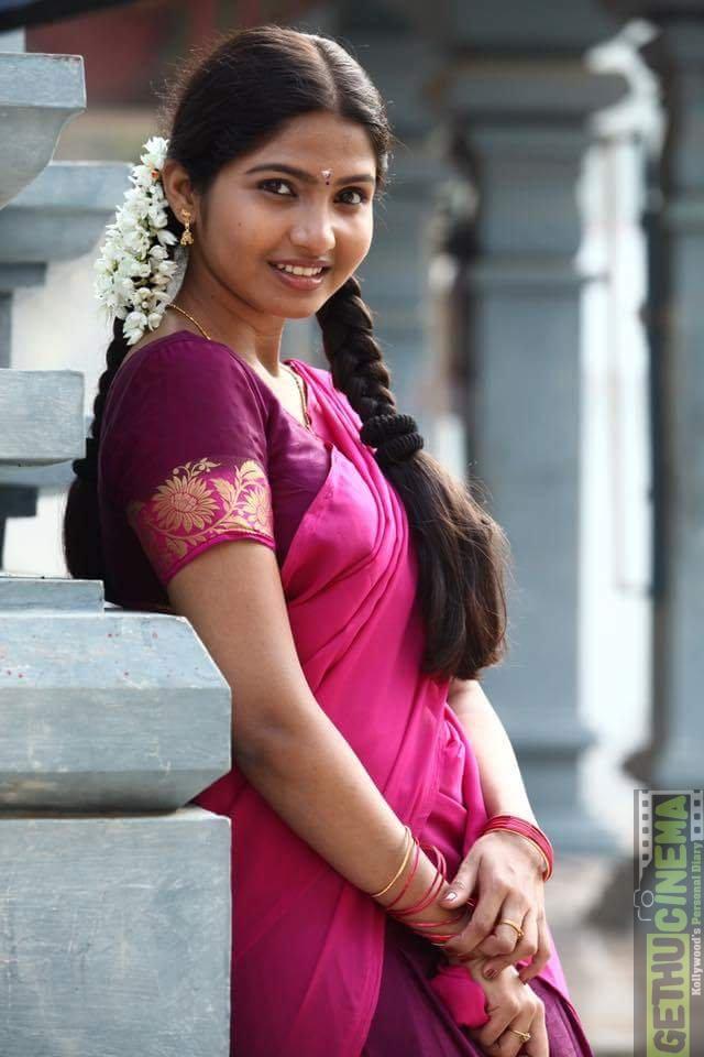 Palli Paruvathile Movie Actress Venba Cute Amp New Gallery