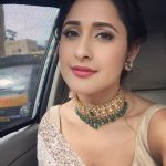 Actress Pragya Jaiswal Photos (14)