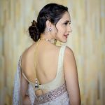 Actress Pragya Jaiswal Photos (15)