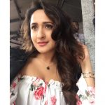 Actress Pragya Jaiswal Photos (21)
