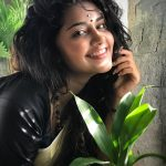 Anupama Parameswaran, face with natural