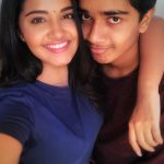 Anupama Parameswaran, selfie with brother, thambi