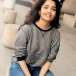 Ritika Singh, cute, loose hair