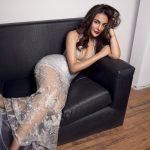 Seerat Kapoor, modern, shofa