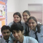 sanya malhotra school days group picture (1)