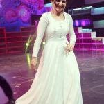 Dhivyadharshini, dd, white daress, vijay tv