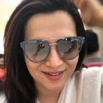 Dhivyadharshini, hair style, glass