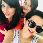 Dhivyadharshini, selfie, with friend