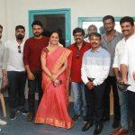 Ezhumin Movie Trailer Launch, Karthi, Visal, Devayani, group