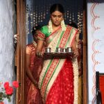 Oru Kuppai Kadhai, Manisha Yadav, with coffee, full make up,