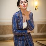Regina Cassandra, blue dress, hd, kiss