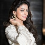 Shriya Saran, 2018, high quality, hd, white colour daress
