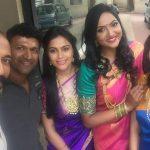 Sonu Gowda, group, friends