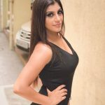Yashika Aannand, hd, black dress, modren
