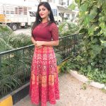 Yashika Aannand, natural, full size, home