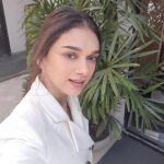 Aditi Rao Hydari, selfie, white dress, natural