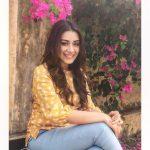 Anchal Singh, yellow dress, blue jean