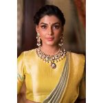 Anisha Ambrose, Vanjagar Ulagam actress, yellow saree, old look