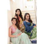 Anisha Ambrose, Vanjagar Ulagam heroine, Friends, saree