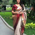 Anita Hassanandani, naagini 3, red saree, super cool, modern