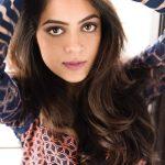 Anya Singh, Selfie, admirable