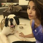 Daisy Shah, Home, Dog, Good look